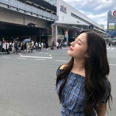 180922 [ Loving the weather Nancy Momoland 💌💌 Korean Photoshoot, Couple Photoshoot Poses, Nancy Jewel Mcdonie, Nancy Momoland, Korean Girl Photo, Ideal Girl, Selfie Poses, Jeanne, Ulzzang Girl