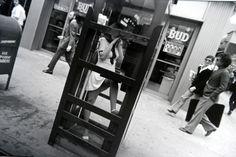 "Garry Winogrand ""Women are beutiful"". Untitled, New York, 1968 © The State Of Garry Winogrand, courtesy Fraenkel Gallery, San Francisco The Americans, Garry Winogrand, Robert Frank, Andre Kertesz, Vivian Maier, Margaret Bourke White, Lee Friedlander, Philippe Halsman, Weegee"