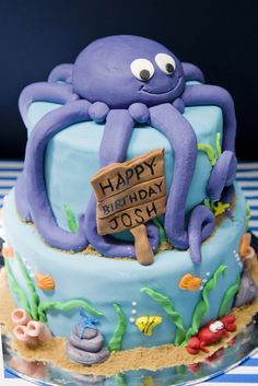 Fun cake at an Under the Sea Party #underthesea #partycake