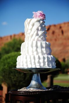 {Bridal Cake}  Wedding cake • Gideon Photography  #bridal #wedding #cake #weddingcake #ruffles