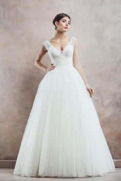Wedding gown with lace bodice from Divine Atelier's dreamy 2014 Poetica bridal collection Wedding Dresses 2014, Bridal Dresses, Wedding Gowns, Bridal Musings, Mod Wedding, Dream Wedding, April Wedding, Wedding Blog, Lace Wedding