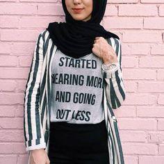 graphic tee with striped shirt hijab- Hijab fashion magazine http://www.justtrendygirls.com/hijab-fashion-magazine/