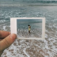 Photographer Maksim Zavialov takes pictures of pictures in an interesting and unique juxtaposition of photography techniques. Framing Photography, Film Photography, Polaroid Pictures Photography, Summer Photography, Photo Polaroid, Polaroid Film, Beach Pictures, Cool Pictures, Life Pictures