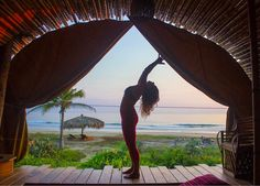 Inhale exhale repeat  Find your inner light at our sustainable boutique hotel. Yoga and ocean views included   #treehouse #yoga #yogalife #sustainabletravel #boutiquehotel #yogawithaview #responsibletravel #yogini #wellness #yogatravel #meetmeinzihuatanejo #healthyliving