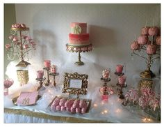 Absolutely adore this New York Yankees Candy Table with a girly twist!