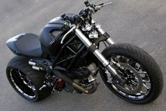 Ducati Monster 1100 Wayne Ransom - via motorcyclespecs.co.za