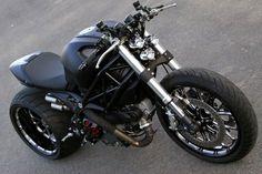 Ducati Monster 1100 Wayne Ransom - via motorcyclespecs.co.za