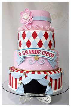 Bolo Circo Menina....someone please throw me a circus themed bday party someday and get me this cake ;) @tammypunzel