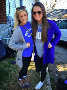 Kentucky Theta event:This outfit is stylish but comfy the sweater is warm and has pockets to hold my phone and money the. Shoes are comfy on my feet for walking. The leggins and shirt is comfy for walking. Homecoming Games, Homecoming Outfits, Casual Fall Outfits, Fall Winter Outfits, Cute Outfits, Football Outfits, Sport Outfits, Tailgate Outfit, Sport Fashion
