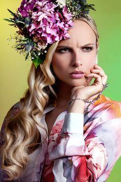 Lenka Schlawinsky Photography Düsseldorf - Fashion fashion fashionphotography floralcrown flowers