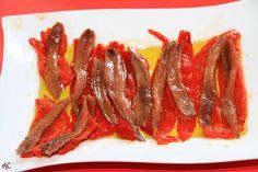 En GetxoBlog, disfrutamos de unas deliciosas Anchoas del Cantábrico, acompañadas por Pimientos Asados Dulces elaborados artesanalmente por La Moncloa de San Lázaro