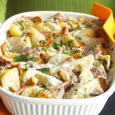 A little chopped ham, wedges of potatoes and a cream cheese-Gruyere sauce fill this comfort food Creamy Potato Casserole. Would be better for breakfast. Potato Dishes, Potato Recipes, Food Dishes, Ham Recipes, Potluck Recipes, Food Food, Potato Food, Potluck Desserts, Gourmet