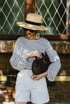 34 Lovely Black And White Summer Outfits Pretty Look 2020 Fashion Trends, Spring Fashion Trends, Fashion 2020, Look Fashion, Spring Summer Fashion, Fashion Tips, Spring Trends, Retro Fashion, Korean Fashion