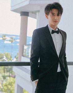 TAO wearing suit at the Cannes Film Festival Luhan, Exo Tao, Rapper, Huang Zi Tao, Kim Minseok, Poses For Men, Kung Fu Panda, Cute Actors, Kris Wu