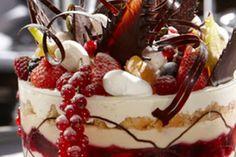 Klassieke kersttrifle Xmas Dinner, Slow Food, Tiramisu, Panna Cotta, Bacon, Cooking Recipes, Pudding, Ethnic Recipes, Trifles