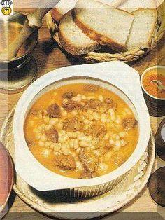 Recepty nejenom na luštěniny: Fazolový guláš s uzeným masem