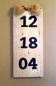 Awesome anniversary board to celebrate your special day! Great DIY wedding gift :)