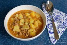 Gulášová polévka z mletého masa je jedna z mých nejoblíbenějších polévek jak už pro svou jednoduchost a také chuť, která parádně zasytí. Chana Masala, Cheeseburger Chowder, Soup, Ethnic Recipes, Red Peppers, Soups