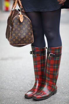 Ralph Lauren Plaid Boots and I don't have Them! I Must Find Them, LOVE! Ralph Lauren Stiefel, Ralph Lauren Boots, Tartan Mode, Tartan Plaid, Lv Handbags, Louis Vuitton Handbags, Rain Boots, Shoe Boots, Dress Boots