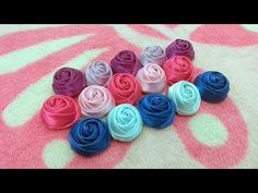 Most recent Totally Free Ribbon Rose icing Strategies Buttercream bow carnations are usually an easy approach to produce your cakes in addition to cakes s Rose Icing, Satin Ribbon Roses, Carnations, Diy And Crafts, Bows, Flowers, How To Make, Youtube, Cakes