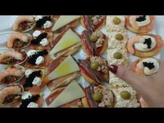 6 CANAPÉS PARA FIESTAS FÁCILES Y ECONÓMICOS - YouTube Catering, Sushi, Buffet, Sandwiches, Cocktails, Appetizers, Menu, Tasty, Snacks