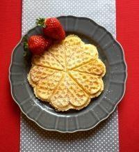 Egyszerű rizslisztes gofri Breakfast Casserole Easy, Gluten Free Recipes, Free Food, Waffles, Paleo, Food And Drink, Snacks, Healthy, Desserts
