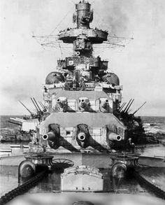 Foredeck of 11 in battleship Scharnhorst: until her destruction in December 1943 she saw as much action as any capital ship in with the possible exception of British battleship HMS Warspite. Naval History, Military History, Cruisers, Heavy Cruiser, Navy Aircraft, Big Guns, Armada, Navy Ships, Submarines