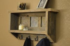 Rustic Naturally Weathered Reclaimed Wood Coat Rack With Shelf & Slate Tiles op Etsy, 76,11 €