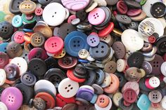 Big Button Collection Detash by CharmsByIzzy on Etsy, £7.00