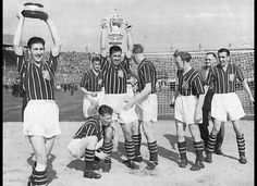Manchester City Players celebrante winning the 1956 FA Cup