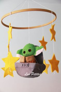 Star Wars Baby Mobile Nursery Star Wars Mobile The Baby Crib Mobile, Baby Cribs, Funny Star Wars Pictures, Crib Accessories, Toy Story Baby, Nursery Themes, Nursery Ideas, Nursery Decor, Star Wars Crafts