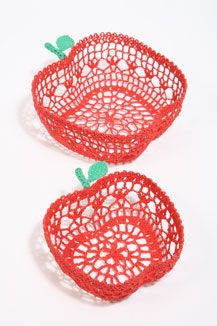 sass & belle crochet apple bowls: crochet AND apples