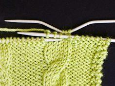 Palmikkoneule - Yhteishyvä Straw Bag, Tote Bag, Crafts, Bags, Fashion, Handbags, Moda, Manualidades, Fashion Styles
