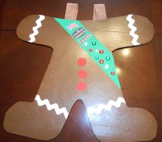 Christmas parade costume for Girl Scout Brownie Troop. Sandwich board sign with straps to a back side as well! Girls will wear it with bakers hats and rosy cheeks!