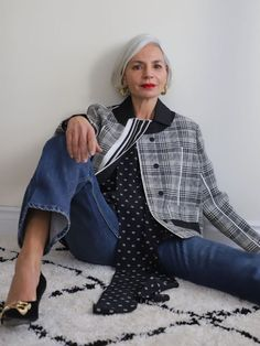 The 9 Best Clothing Styles for Petite Women | Who What Wear UK Leather Shirt Dress, Dress Up Jeans, Leather Blazer, 90s Jeans, Jeans Fit, Colorful Fashion, Boho Fashion, Fashion Trends, Casual Skirt Outfits