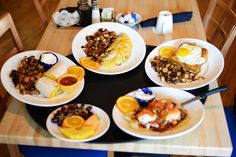 We no longer have to travel downtown for what we think is one of the best breakfasts in Chicago, Yolk! Full disclosure: the new location is in our building @ 2756 N. Pine Grove but we went in with an open mind! http://eatyolk.com/ #chicagoeats #resturantblogs #chicagofoodies