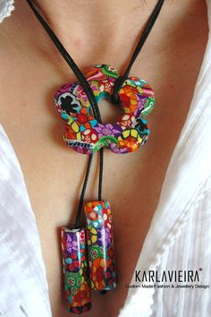 Boho Chic Designer Choker Pendant necklace in bright colored floral patterns Fimo Polymer Clay, Polymer Clay Necklace, Polymer Clay Pendant, Polymer Clay Projects, Polymer Clay Creations, Paper Jewelry, Fabric Jewelry, Jewelry Crafts, Bijoux Design