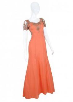 hermoso vestido talla M color Salmon con aplicaciones de encaje en el busto y las mangas