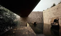 Via thehardt Located in Mexico City, Mexico, Casa Bosques De Las Lomas by @sordo_madaleno . Mirrors of water, set of heights and a composition of materials integrated with the design of the spaces, characterize this residence located in the residential area of Woods of the Lomas to the west of the city of Mexico. The residence shows simplicity and neatness in the walls, visual breaks and patios. The scheme achieves an environment of integration with gardens that wrap the blocks of the house…