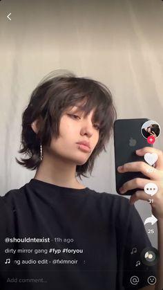 Mullet Haircut, Mullet Hairstyle, Hair Inspo, Hair Inspiration, Androgynous Hair, Shot Hair Styles, Hair Reference, Cut My Hair, Aesthetic Hair