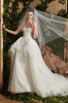 Bridal Fashion Week Spring 2017 | Carolina Herrera #bridal #bride #bridalfashionweekspring2017 #noiva