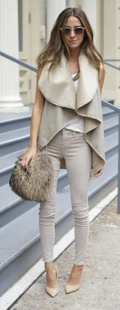 Casual chic monochromatic - Street style.