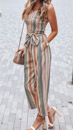 They are a perfect mix of fancy and casual and are great to wear to all your family gatherings and parties with your friends! Fall Outfits For Teen Girls, Summer Outfits Women, Classy Outfits For Teens, Cute Casual Outfits, Stylish Outfits, Look Fashion, Fashion Outfits, Winter Fashion, Fashion Tips