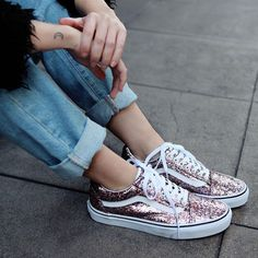 Vans   Lowtop   Glitter   Sneaker Style   Women's Shoes   Outfit Inspiration   <3 @benitathediva