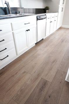 - Your choice of kitchen floor will depend upon the style and look you wish to achieve in the room. There are certain flooring options that are more pop. Vinyl Flooring Kitchen, Luxury Vinyl Flooring, Vinyl Plank Flooring, Luxury Vinyl Plank, Vinyl Flooring Basement, Home Flooring, Best Flooring For Kitchen, Vinyl Planks, Kitchen Vinyl