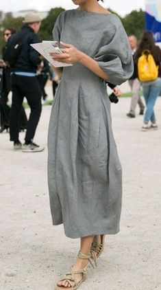 Trendy Casual Dress for Women. See more ideas about Casual outfits, Outfits and Casual.Cute summer outfits for ladies, simple summer outfits. Elegant Midi Dresses, Linen Dresses, Dresses Dresses, Evening Dresses, Fashion Dresses, Casual Maxi Dresses, Linen Tunic Dress, Casual Outfits, Denim Dresses