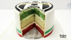 Torta Juventus, decorata in pasta di zucchero by ItalianCakes http://www.italiancakes.it