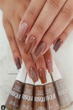 42 Classic Brown Nail Art DesignsBrown is that the combination of the many colours that combinedly gibe wood color, occasional color, chocolate color etc. There ar few reminder brown ranging from darker ending to lighter shades. Dream Nails, Love Nails, My Nails, Perfect Nails, Gorgeous Nails, Stylish Nails, Trendy Nails, Maroon Nails, Nagellack Design
