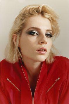 Lucy Boynton is the Brightest Bookworm in Show Business nails cherry Makeup Inspo, Makeup Inspiration, Beauty Makeup, Eye Makeup, Hair Makeup, Hair Beauty, Lucy Boynton, Celebrity Makeup, Celebrity Hairstyles