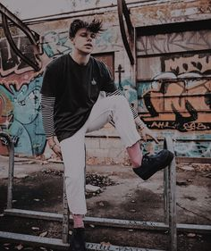 See more ideas about Dominic harrison, Black heart and Boys are stupid. My Favorite Music, Favorite Person, 5sos Album, Dominic Harrison, Black Heart, Celebs, Celebrities, Friend Pictures, Beautiful Boys
